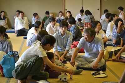 鮎喰川すまい塾 第1回で、参加者同士が意見を交わし合う様子